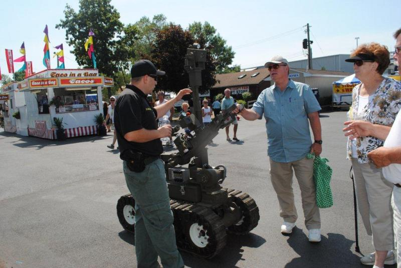 Deputy Walczak and the Bomb Robot