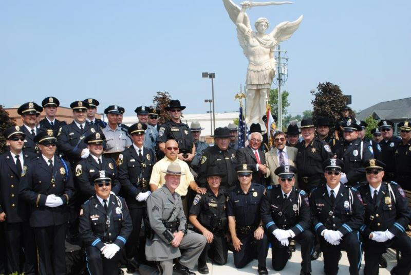 Sheriff Tim Howard acts as MC at Statue's Unveiling